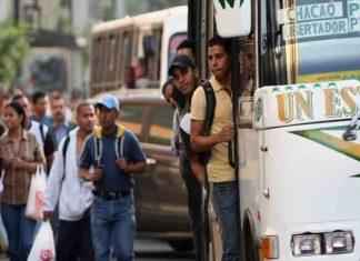 Transportistas de Caracas reafirman anclar el pasaje a 10 centavos de dólar