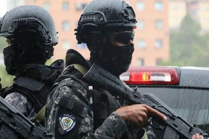 Fuerte detonaciones: Faes y hampones se enfrentan en la Cota 905
