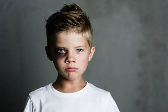Niño venezolano de 6 años: Entre golpes y patadas le decían «Vete de aquí» en Ecuador