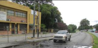 Mérida: Ruptura de tubería de agua blanca deteriora asfalto en avenida Los Próceres
