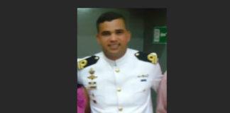 Por esquivar un Jeep teniente de fragata de la Base Naval pierde la vida