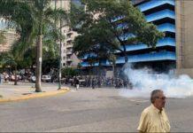 Simpatizantes de la oposición se concentraron en varios puntos de Caracas para materializar la convocatoria de Juan Guaidó