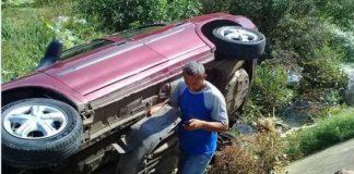 Solo susto y daños materiales: Carro cae en quebrada de Coro