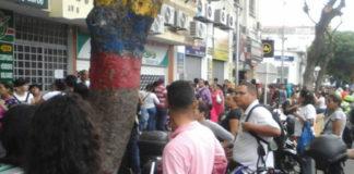 Video: Venezolanos frenéticos por el «Black Friday» en Cúcuta
