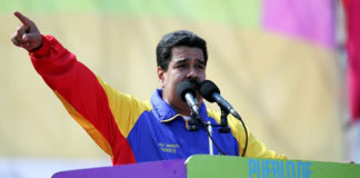"""Maduro llama a la """"paz"""" a través del diálogo social y político"""