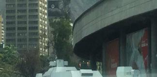 Tanquetas de la GNB rodean Plaza Venezuela