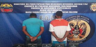 10 panelas más de cocaína incautadas en Baraived y dos detenidos a cargo de las FAES