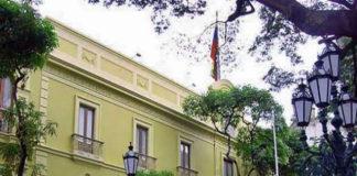 Militares agregados de Bolivia tiene 72 horas para abandonar el país (+Comunicado)