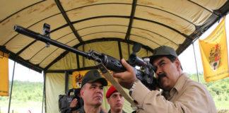 """Maduro entregará 13 mil fusiles a """"combatientes"""""""
