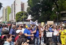 Educadores amenazan con huelga general