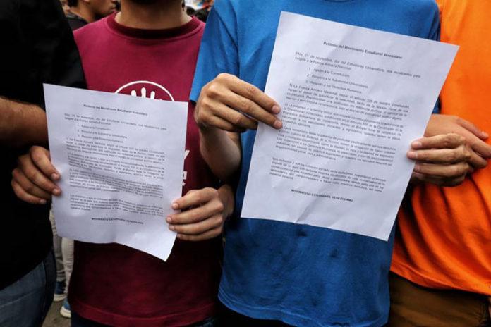 VIDEO| Petitorio fue entregado a la FANB pese a no llegar hasta Fuerte Tiuna