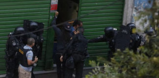 Liberan rehenes en Río de Janeiro tras ocho horas en cautiverio