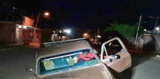 """Un """"mega hueco"""" se traga una camioneta en Monseñor Iturriza de Coro"""