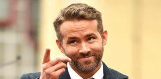 Ryan Reynolds a punto de ser aplastado por una valla (+Video)