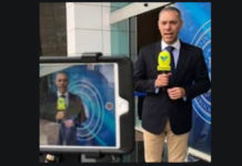 VIDEO: Periodista fue agredido por otro mientras que Guaidó declaraba a la prensa