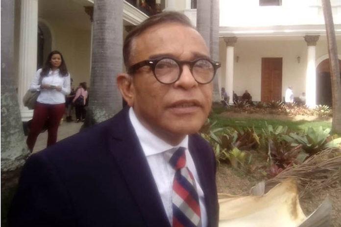 Barrientos presenta documentos que lo excluyen de la trama de corrupción (+Fotos)