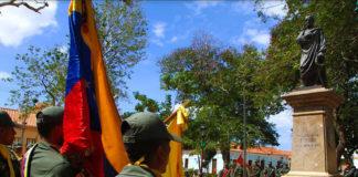 Autoridades regionales ofrendan al Libertador a 189 años de su siembra