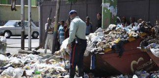 Lanzaron el cadáver de un hombre por un bajante de basura en El Paraíso