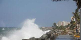 Por Mar de Fondo cierran las playas del Litoral Central