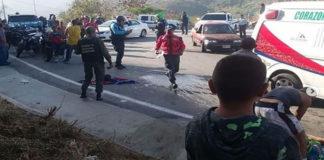 Fotos+Video: 33 niños y seis adultos heridos por vuelco de autobús en autopista Caracas-La Guaira