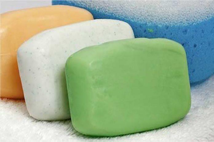 ¡Como la espuma! Jabones de barra de olor y azul los más comprados en Punto Fijo por Covid-19