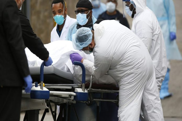 EEUU supera las 8.000 muertes y los 300.000 infectados por el coronavirus