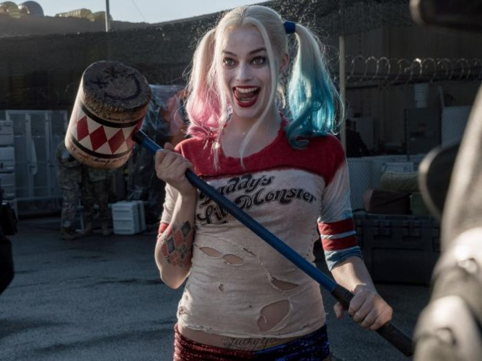 James Gunn confirma que Harley Quinn será fiel a la serie animada en