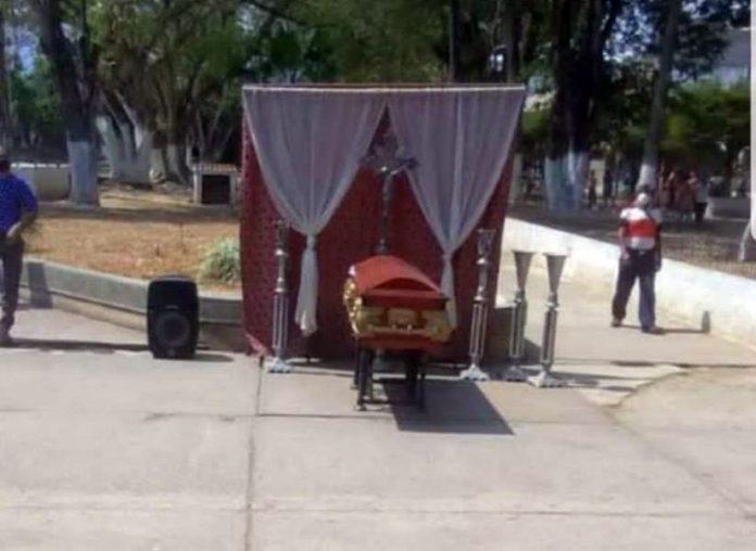 Carabobo: Ponen urna en plaza Bolívar de Bejuma para crear conciencia ante Coronavirus