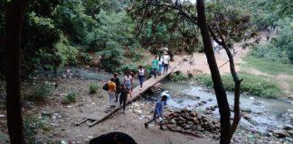 Habitantes de la Gran Sabana cruzan trochas hacia Brasil por comida
