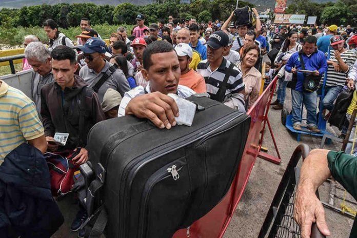 Más de 1.825.000 venezolanos estarían radicados en Colombia