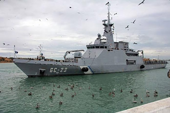 Zozobra buque de la armada venezolana al chocar con barco portugués