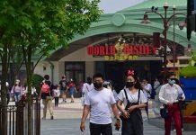 Este lunes 11 de mayo, Disneyland Shanghai abrió sus puertas de nuevo a los visitantes y se convirtió en el primer parque
