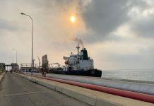 Tanquero iraní Fortune llegó a la refinería El Palito